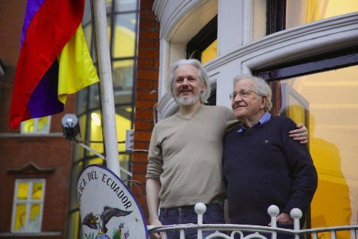julian-assange-with-noam-chomsky
